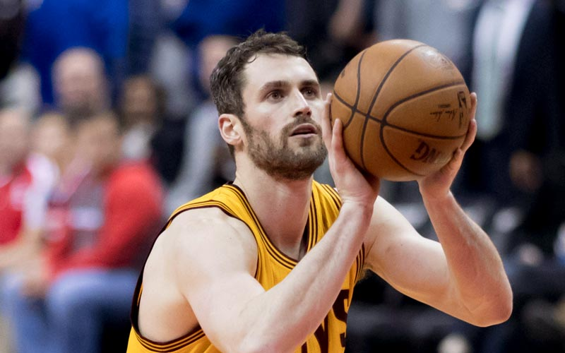 Kevin Love shooting from free throw line